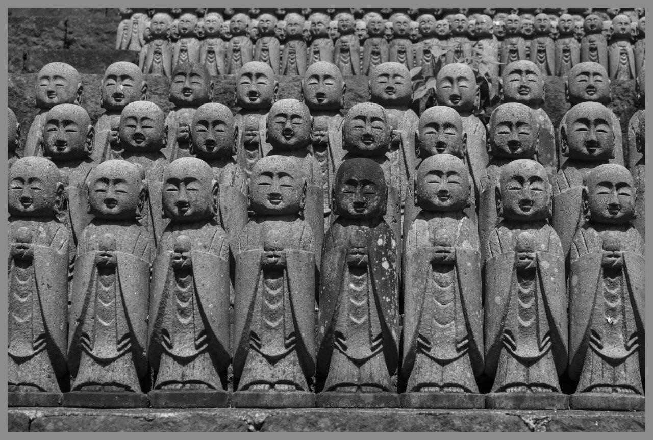 Fotó: Gaál Zoltán: Statues dedicated to Kosodate Jizo the goddess of child-raising © Gaál Zoltán
