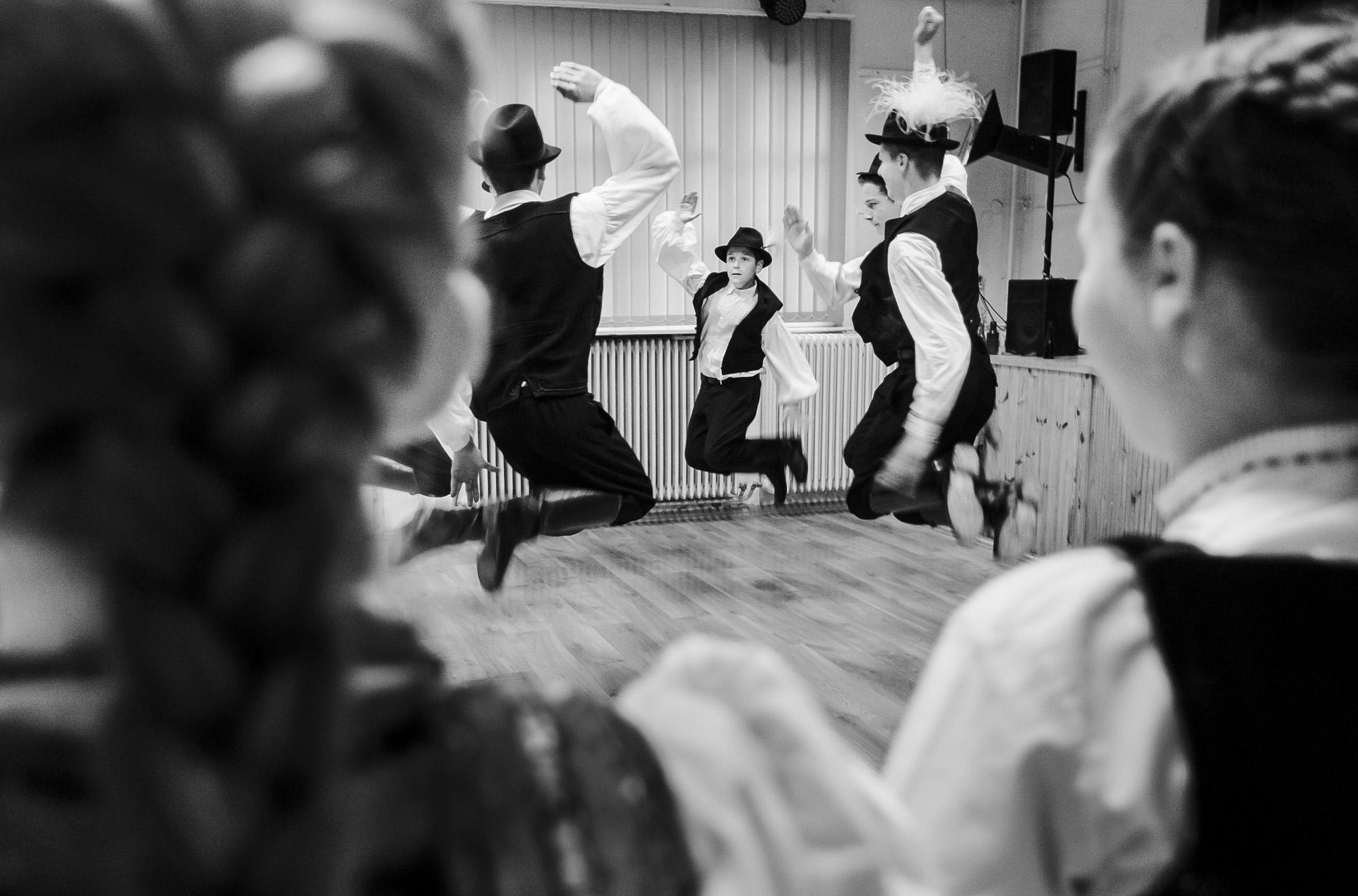 Fotó: Knap Zoltán: Részlet a Táncoló babszemek című fotóalbumból © Knap Zoltán