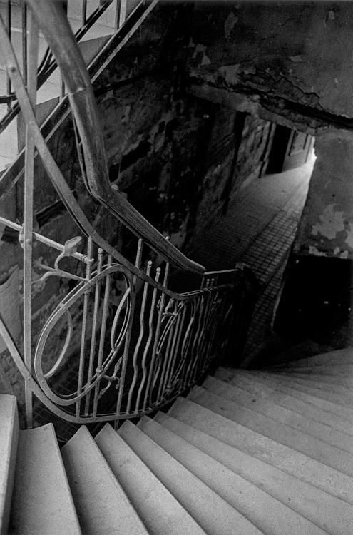 Fotó: Schäffer Zsuzsa: Lépcsőforduló, Budapest, 1986-1987 © Schäffer Zsuzsa
