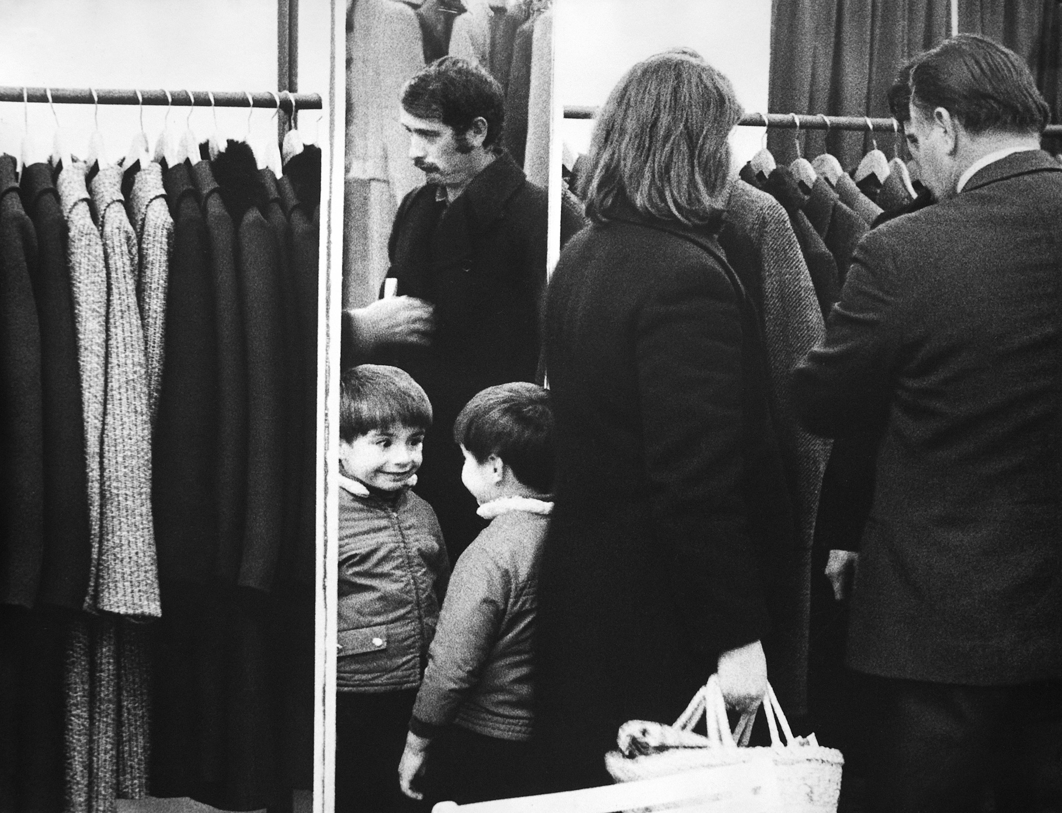 Fotó: Lazukics Anna: A felnőttek unalmasak, Újvidék, Vajdaság, Bácska, 1975