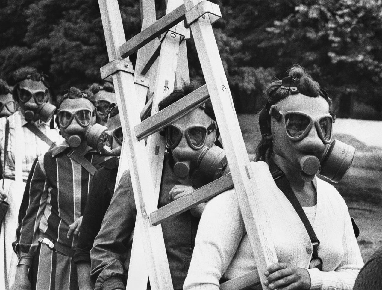 Fotó: Lazukics Anna: Készenlétben, Újvidék, Vajdaság, Bácska, 1987