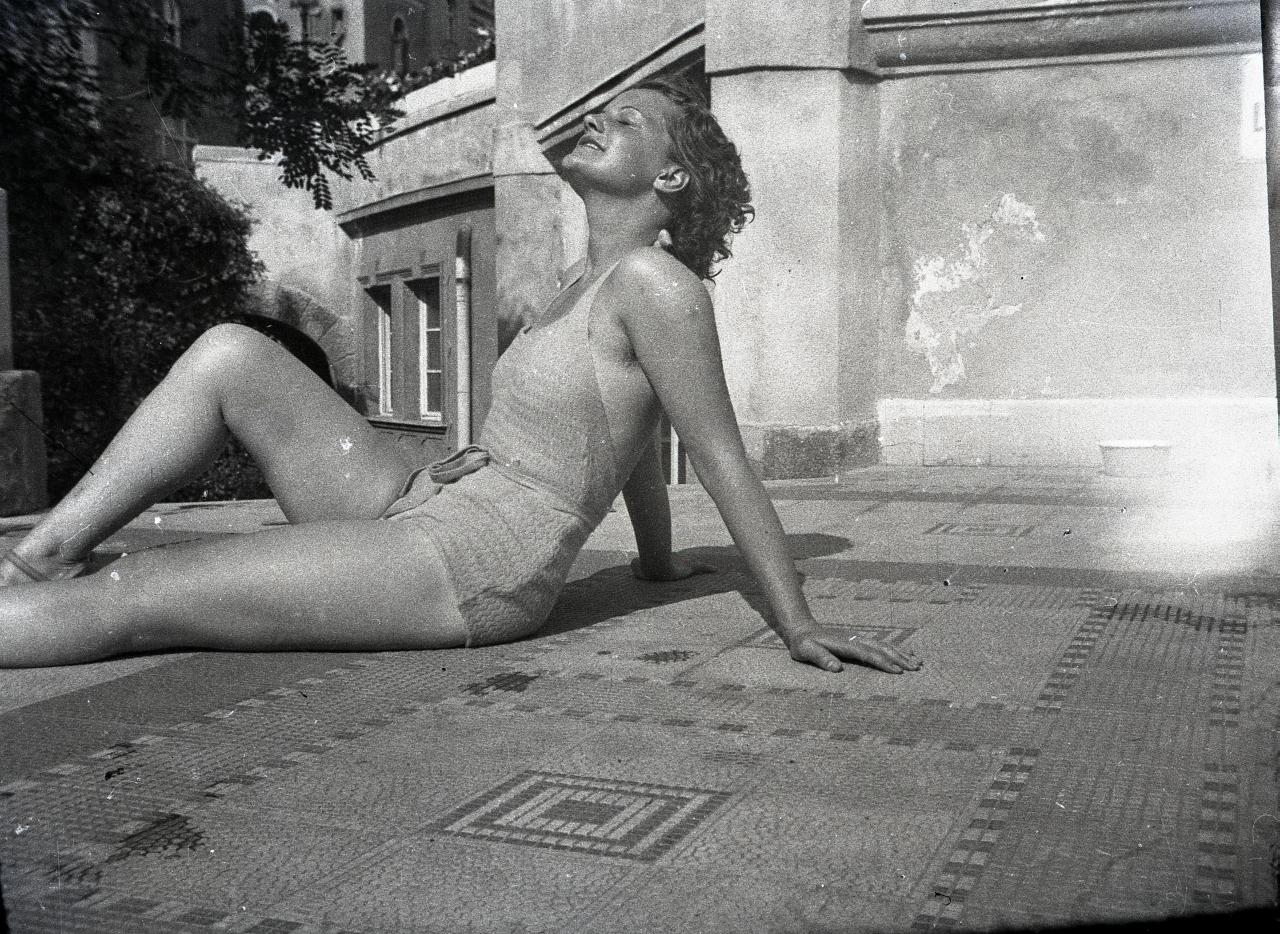 Fotó: Pusztai Sándor: Tolnay Klári (1914-1998) színésznő © Pusztai Sándor örökösei - FSZEK Budapest Gyűjtemény