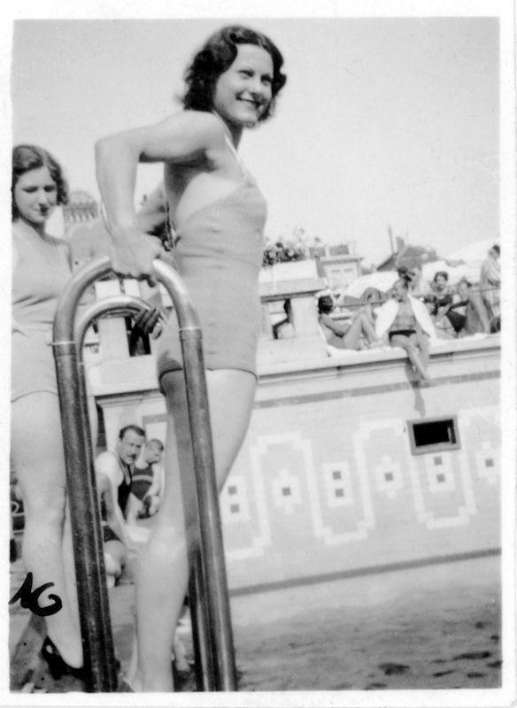 Fotó: Pusztai Sándor: Rökk Marika (1913-2004) színésznő, táncosnő, énekesnő  © Pusztai Sándor örökösei - FSZEK Budapest Gyűjtemény