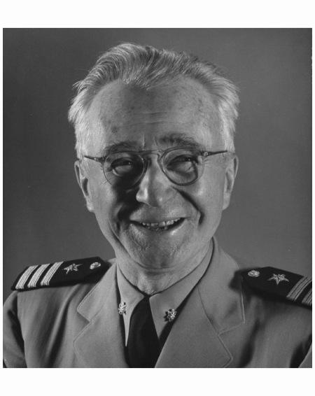 photographer-edward-steichen-wearing-u-s-navy-uniform-1950-photo-gjon-mili.jpg