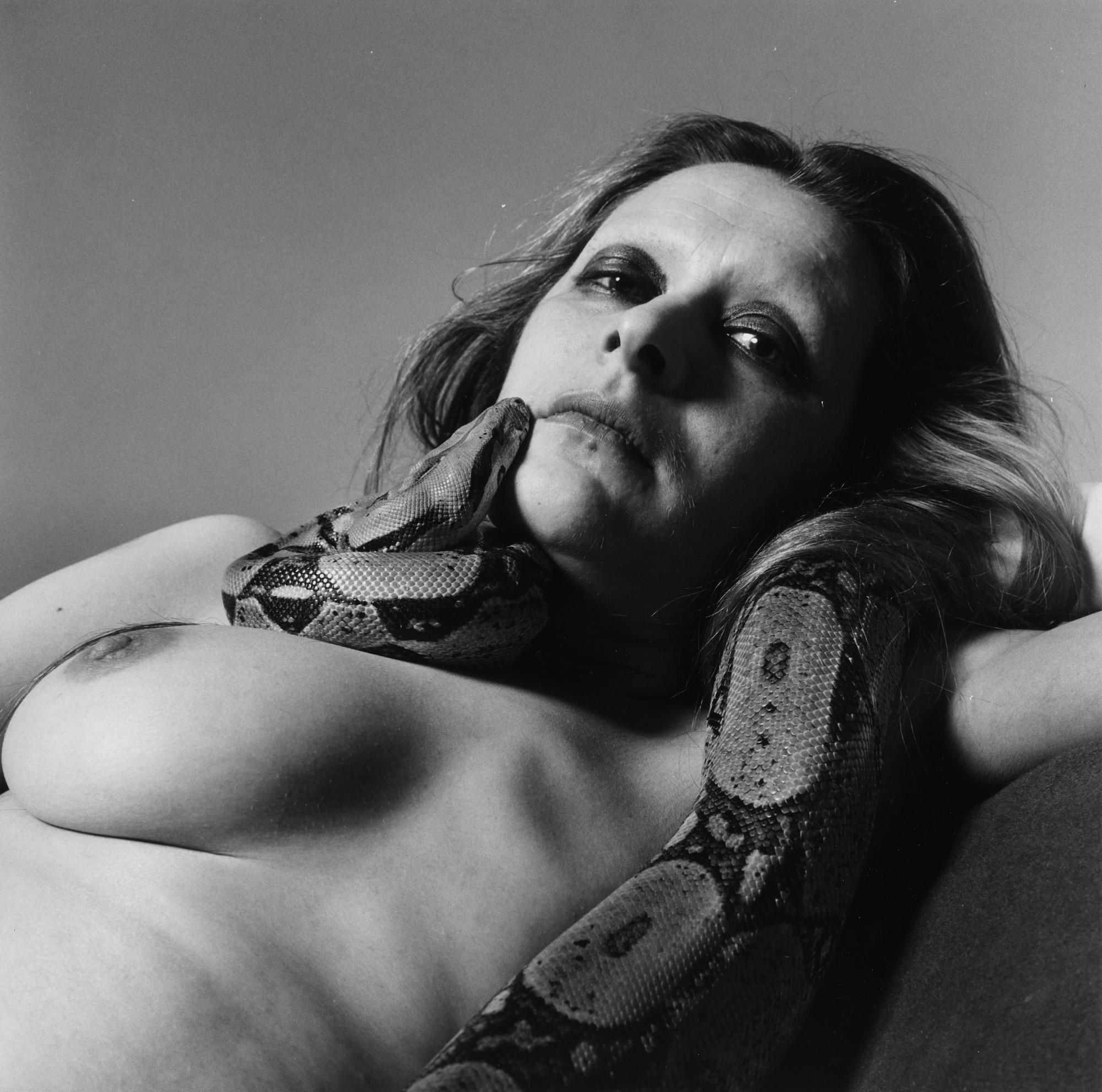 Fotó: Peter Hujar: Sarah Jenkins with Skippy (II), 1985 © Peter Hujar Archive / Fraenkel Gallery