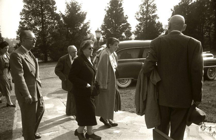 Fotó: Ralph Morse: Albert Einstein temetése előtti pillanatok, New Jersey, 1955 © Ralph Morse/Time & Life Pictures/Getty Images