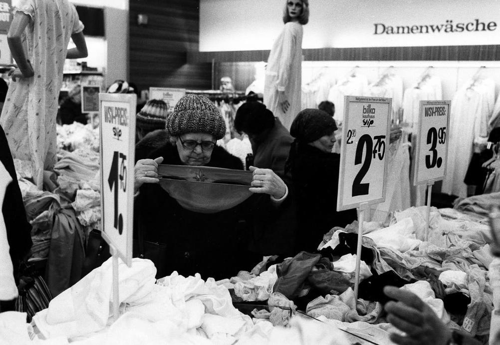 Fotó: Robert Lebeck: Téli vásár Berlinben, 1983 © Robert Lebeck