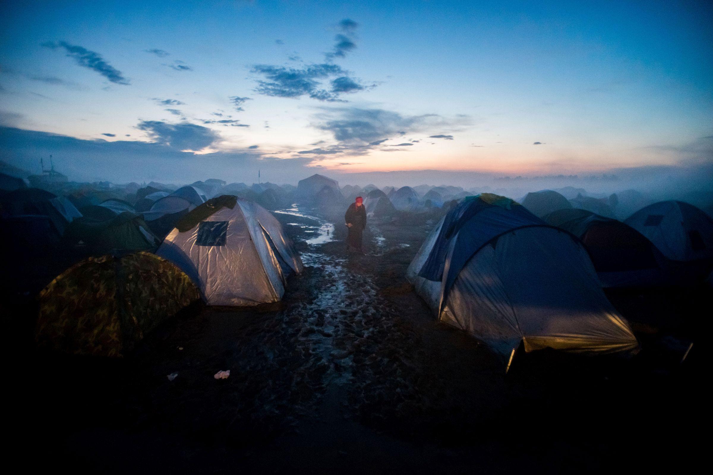 Hír, eseményfotó (egyedi) <br /><br />1. díj: Balogh Zoltán (MTI/MVA): Idomeni menekült tábor<br />