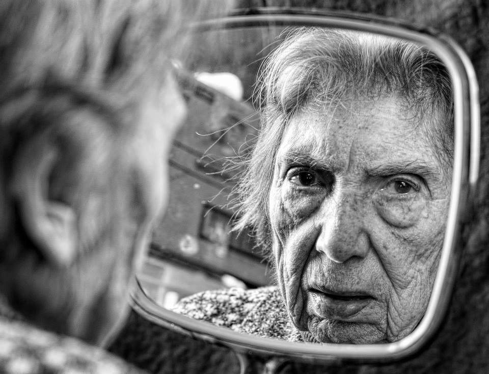 Fotó: © Tony Luciani<br /><br />Részlet a 'Kíváncsi vagyok, ma ki leszek?' című sorozatból