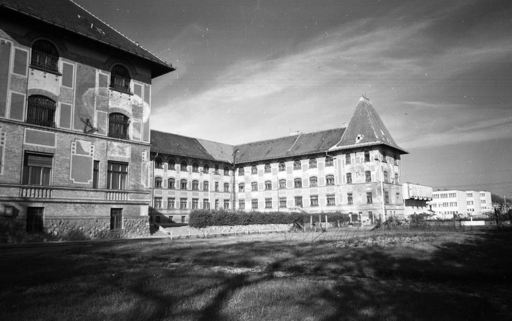 Fotó: Urbán Tamás:Művelődésügyi Minisztérium 2. sz. Fiúnevelő Intézetének épülete, Aszód, 1973 © fortepan.hu