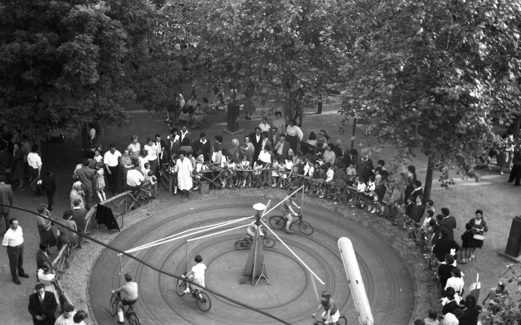 Fotó: Budapest, Vidámpark, 1958 © fortepan.hu/Korenchy László