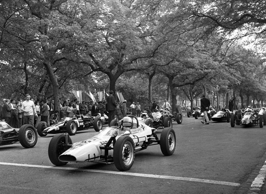 Fotó: Urbán Tamás: Népliget, Formula Vee autóverseny, 1969 © Fortepan