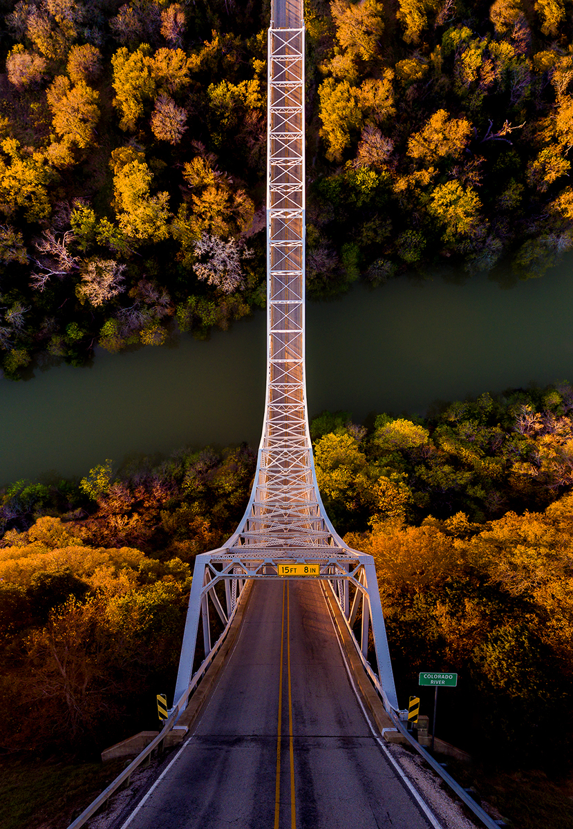 Fotó:Aydın Büyüktaş: Bridge, Részlet a Síkföld című sorozatból © Aydın Büyüktaş