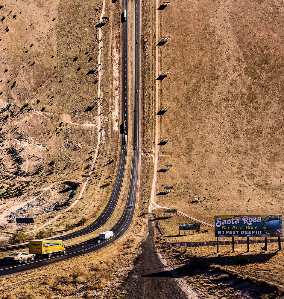 Fotó:Aydın Büyüktaş: Interstate, Részlet a Síkföld című sorozatból © Aydın Büyüktaş