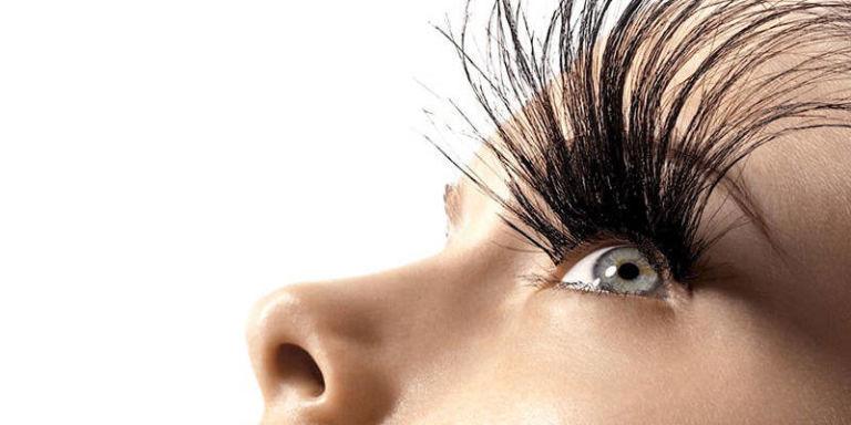 landscape_nrm_54aebc459b8ba_hbz-eyelash-extensions-promo-lgn.jpg