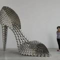 Óriási cipők a konyhából