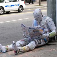 Néha sokkoló utcai installációk - Mark Jenkins