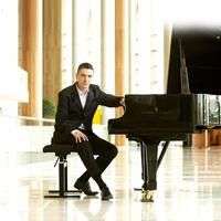 A legfontosabb, hogy holnap jobban játsszak, mint ma // Interjú Sárik Péter jazz zongoraművésszel (X)