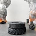 Égő gumiabroncsokkal a környezetszennyezés ellen