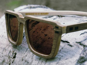 Egyedi, kézzel készített fa napszemüvegek kis hazánkból – Rozi Sunglasses