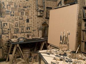 Egy képzeletbeli művész karton-alkotóműhelye