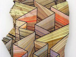 Hipnotikus festmények újrahasznosított fadarabokon