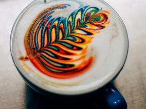 Szivárványos kávét mindenhová!