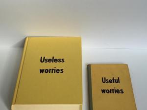 Terápia ál-önsegítő könyvekkel