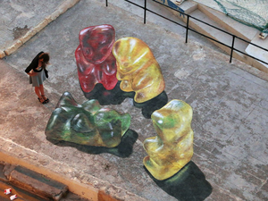 Világhírnevet hozó gigantikus gumimacik
