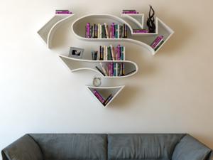 Szuperhősös könyvespolcok rajongóknak