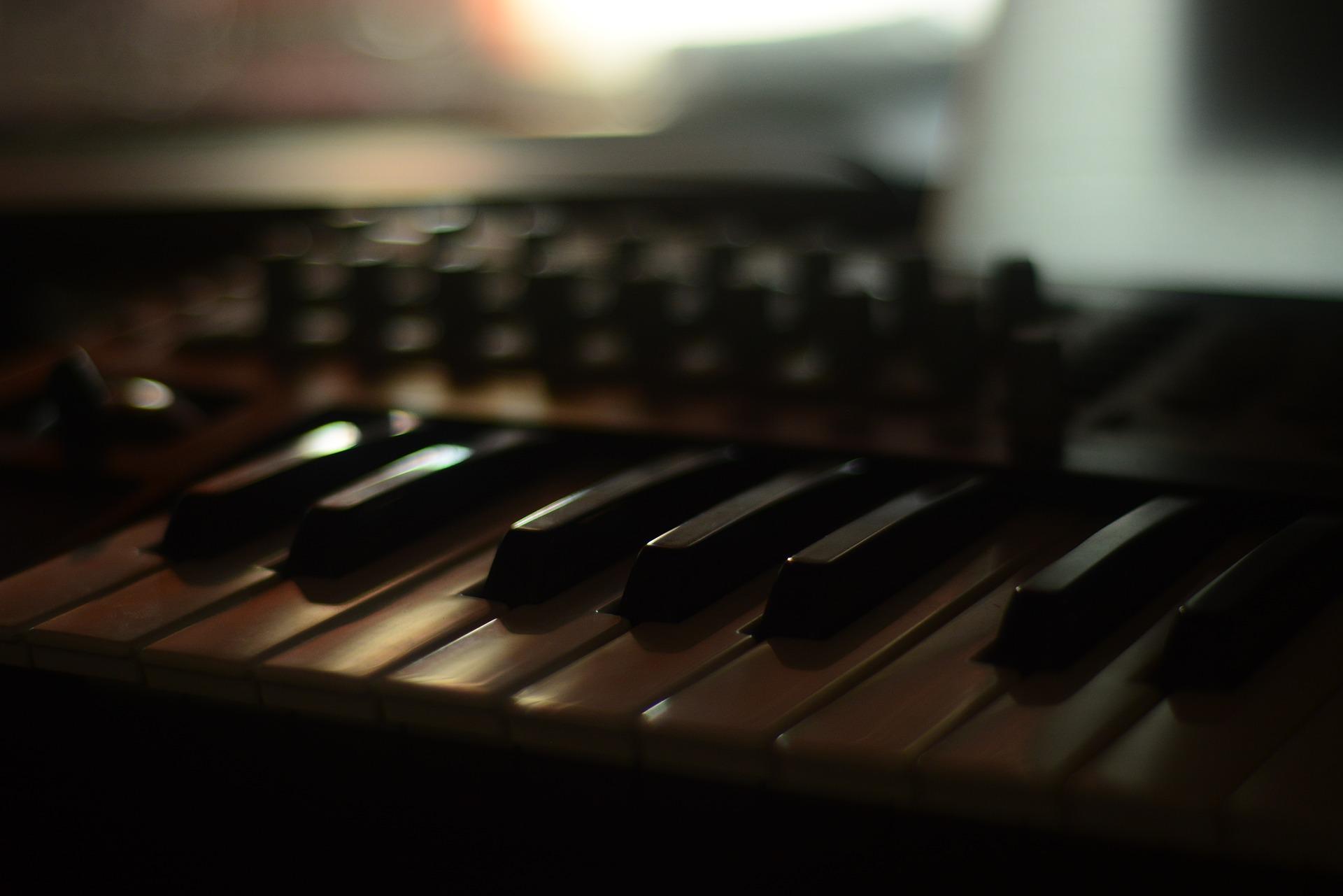 piano-2989646_1920.jpg