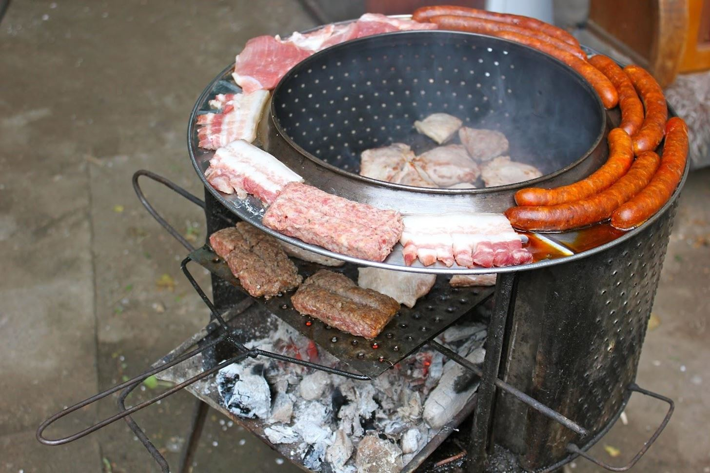 10-clever-ways-cook-out-without-grill_w1456.jpg