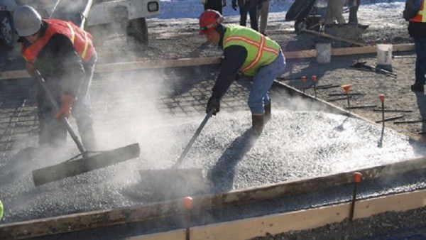 pouring-concrete-in-winter-cold-weather-concrete-pouring-hot-water-concrete-mix-gtalandscaping_com.jpg