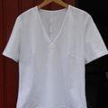 Fehér V-nyakú póló