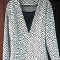 Zebramintás pulóver