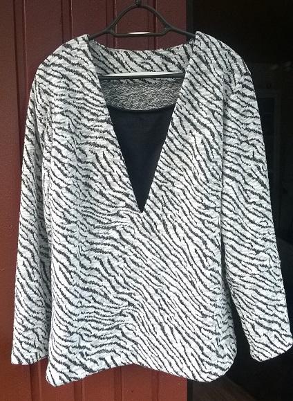 zebra_pulover.jpg