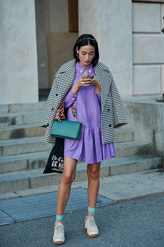 A rövidebb ruhákkal sincs baj, ha nem fázik a lábad - kapj fel hozzá szövetkabátot!