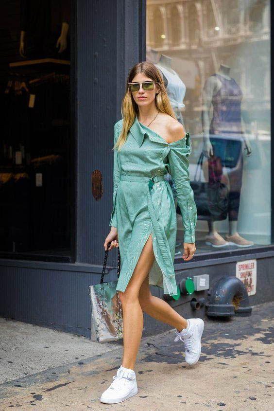 Egy rafinált szabású ruha szintén éveken átívelő darab, ami teniszcipővel és magassarkúval éppúgy bevethető!
