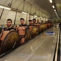 300 spártai a londoni metrón