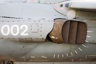 [Thrust vector nozzle egy Sea Harrier repülőgépen. Forrás: Wikipedia]