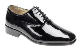 [Oxford szabású fekete lakkbőr cipő]