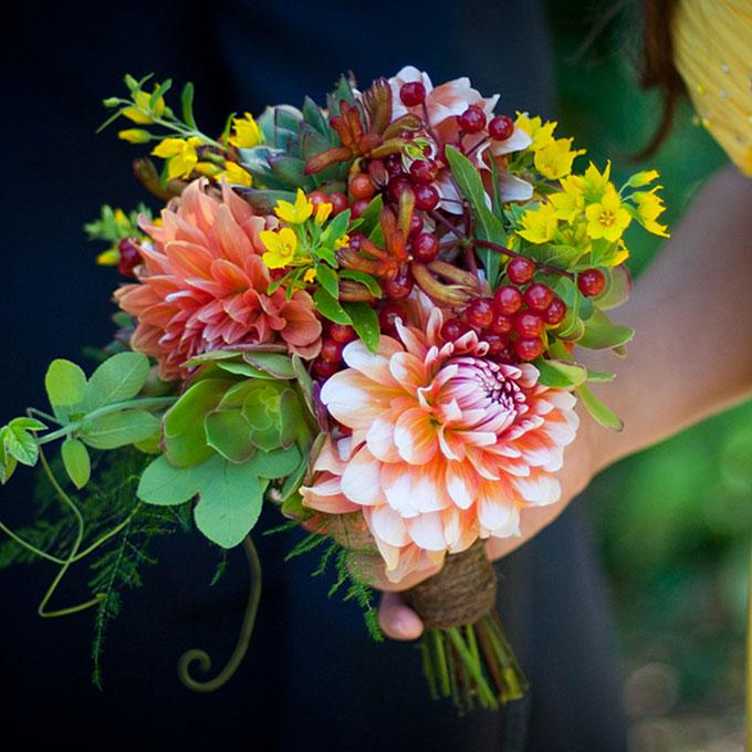 fall-wedding-bouquet-flower-ideas-012.jpg