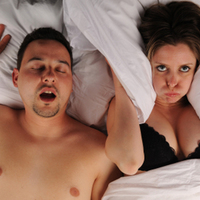 5 bizarr módszer horkolás ellen