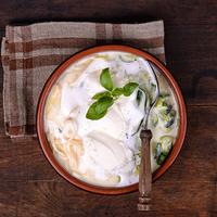 Cukkinis, tésztás sajtleves