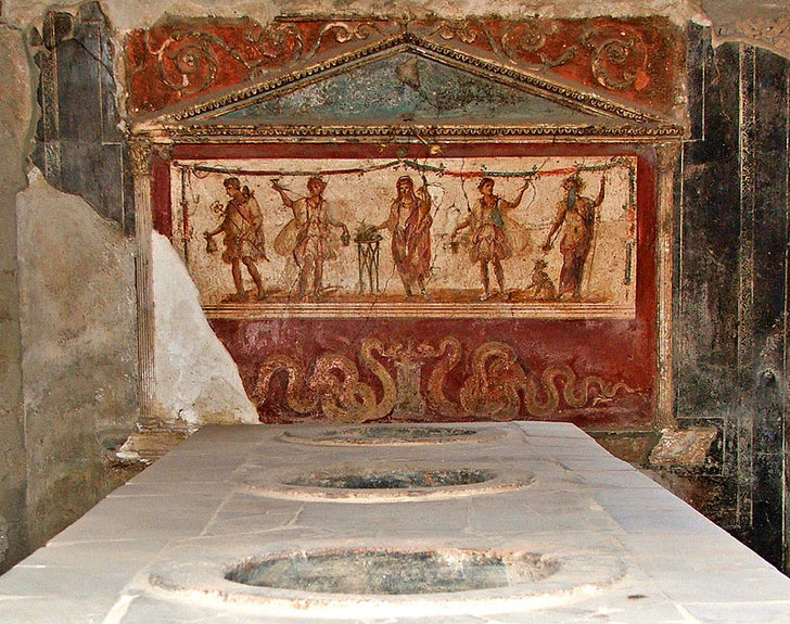 ancient_bar_thermopolia_pompeii.jpg