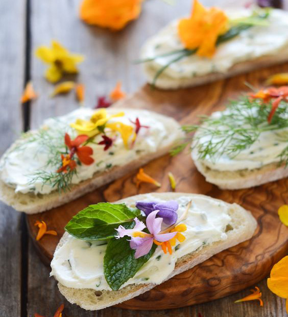 cream_cheese_and_chive_with_edible_flowers.jpg