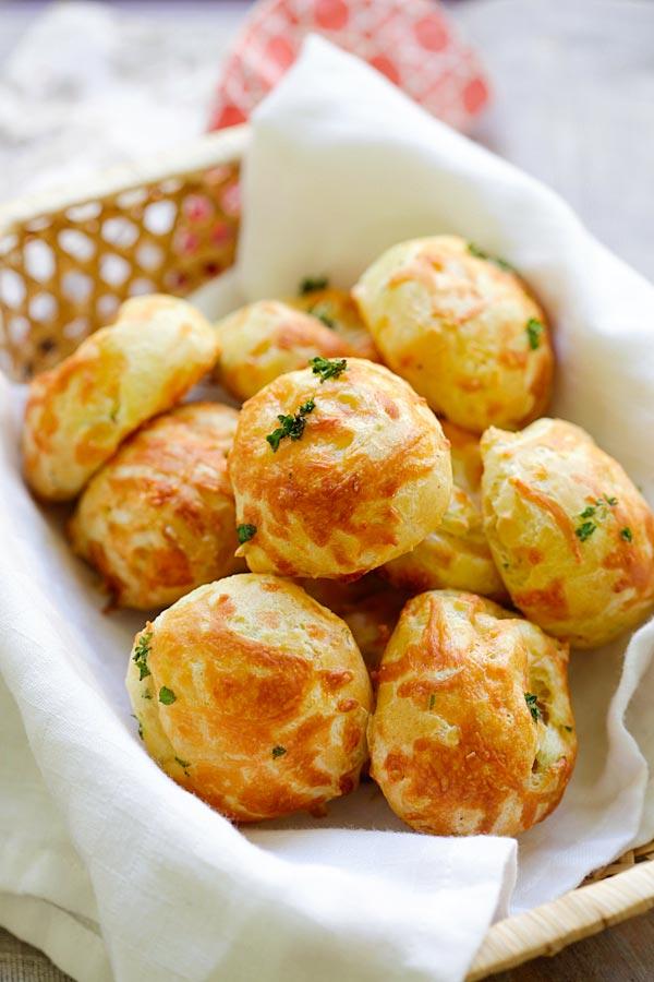 cheese-puffs-gougeres-2.jpg