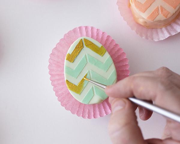 easter-egg-cakes-step-20.jpg
