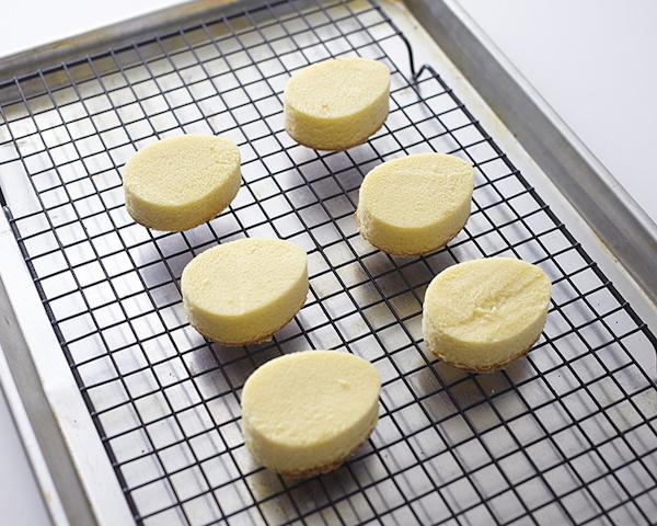 easter-egg-cakes-step-5.jpg