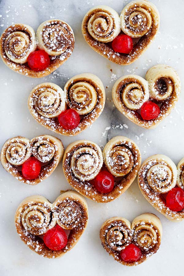 heart-shaped-cinnamon-rolls.jpg